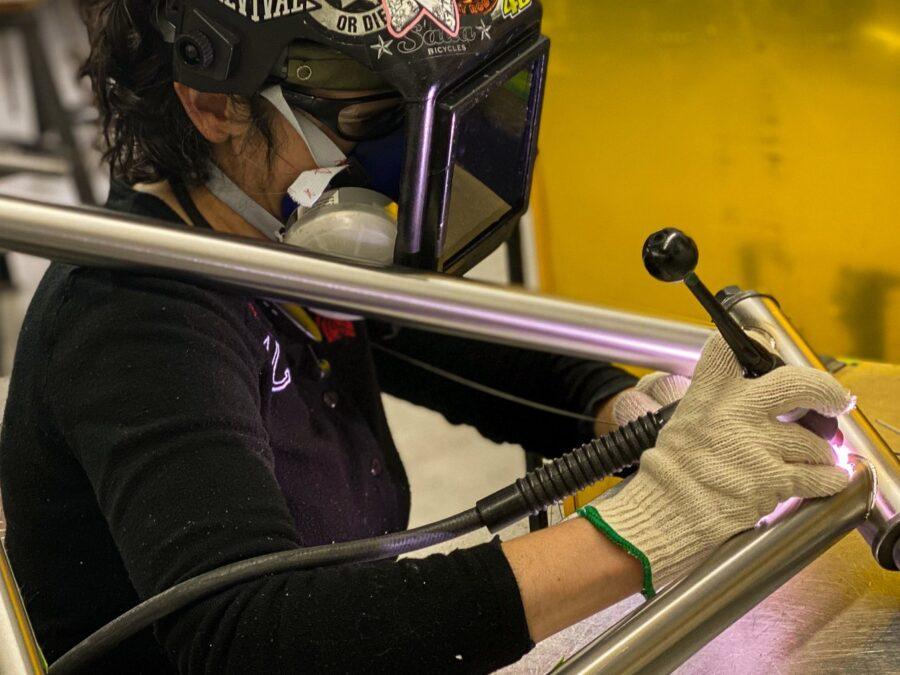Stef Adams welding through the frame 20200529 17 9 1920 1016 web print rv01